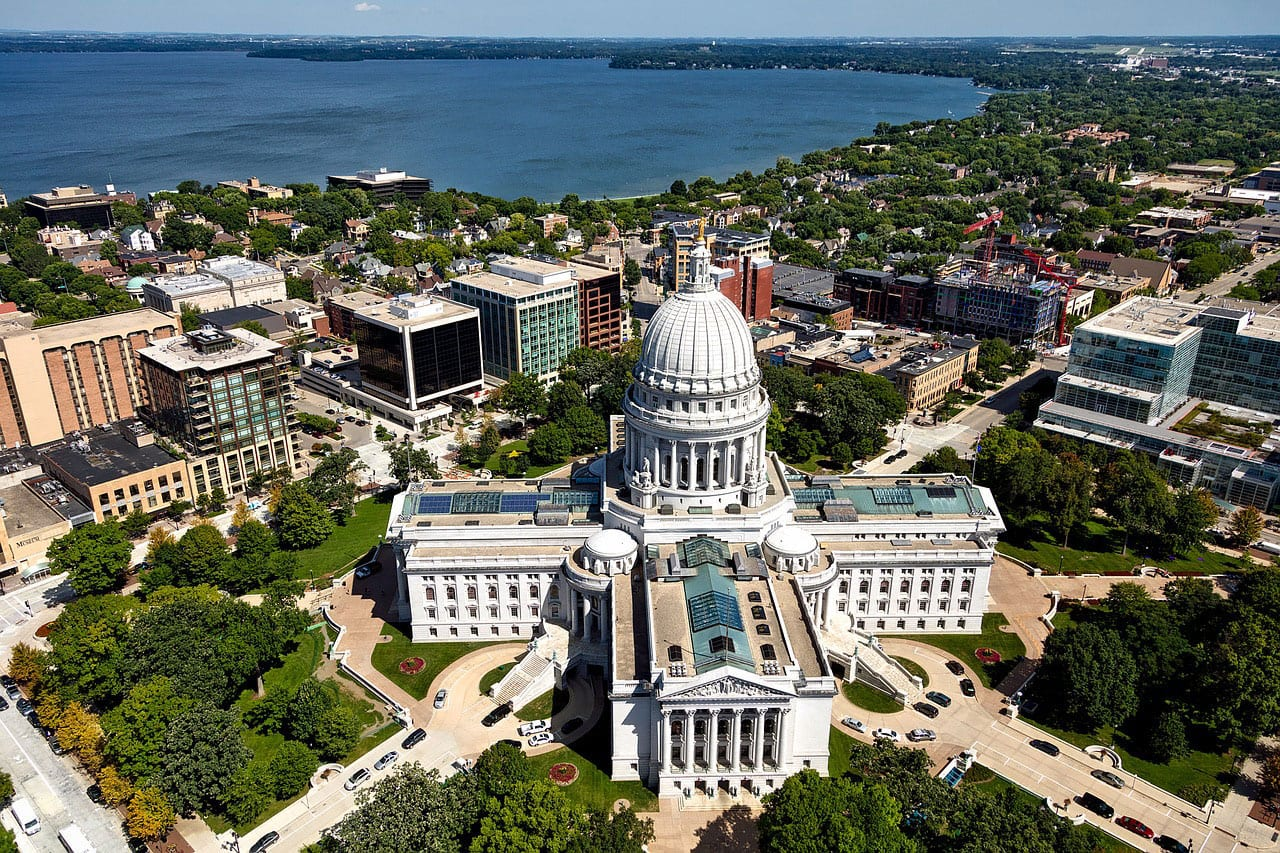 Wisconsin Enacts Election for State Tax Deduction for Pass-Through Entities